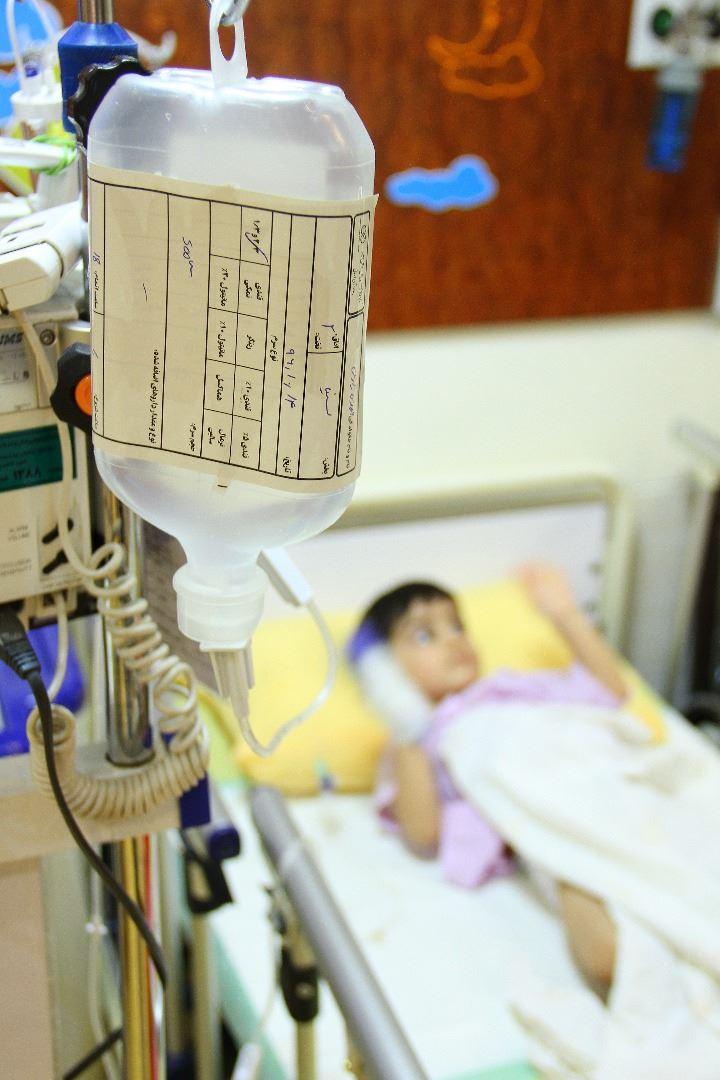 محمدحسین فقط ۱سال و ۶ ماه سن دارد و پیوند مغز استخوان انجام داده است.