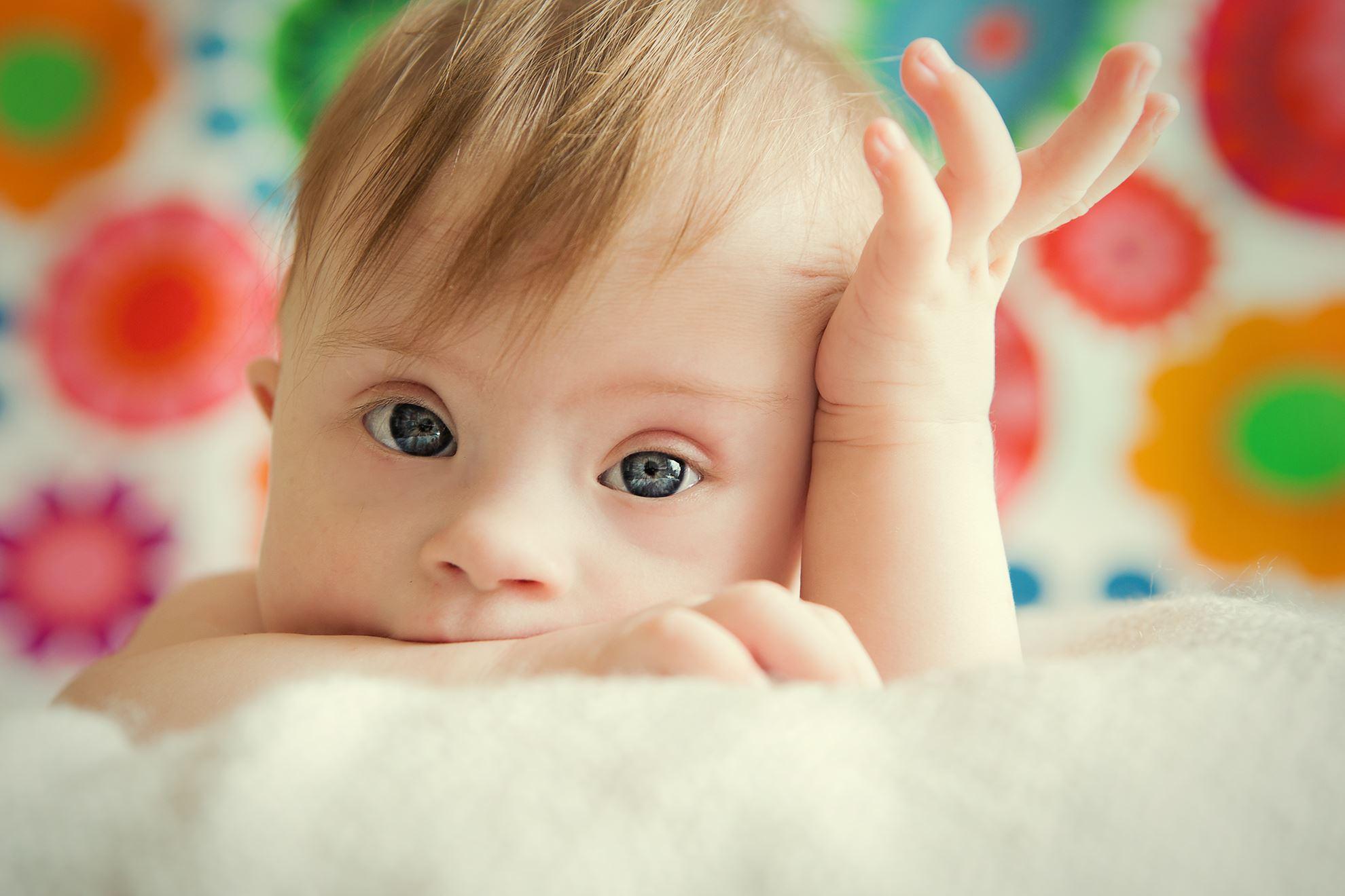 نوزاد زودتر از وقت موردنظرمتولد شده و نیاز به بستری در NICU دارد.