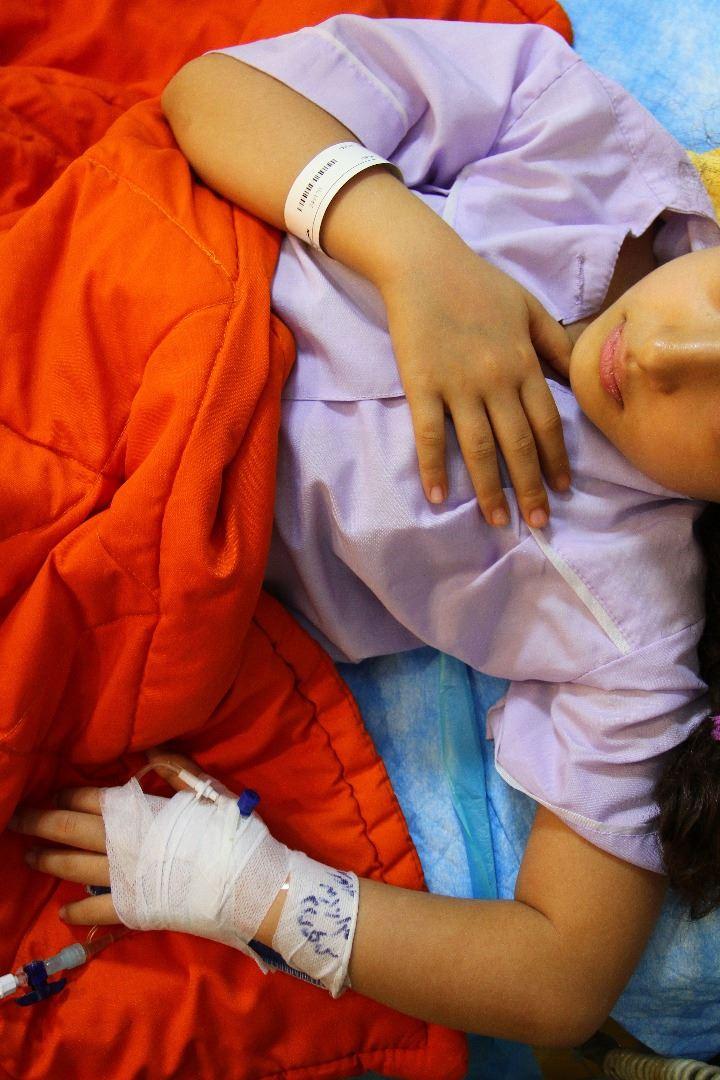 ابوالفضل ۴ ساله دچار سندروم نفروتیک است.