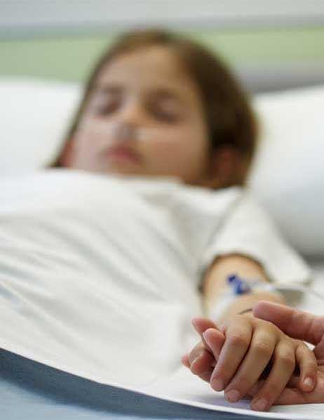 پریسا ۳ ساله به علت تشنج در بیمارستان بستری شده است.