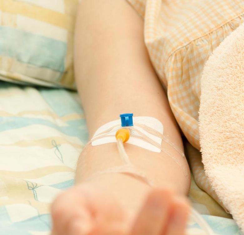 امیرحسین ۵ ساله مبتلا به نقص ایمنی است و از زمان تولد تحت درمان است.