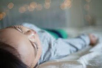 سبحان ۳ ساله مبتلا به افتادگی مجرای ادرار شده است و در بیمارستان بستری است.