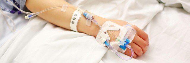 متین ۱۱ ساله به علت شدید شدن بیماری لوپوس بستری شده.