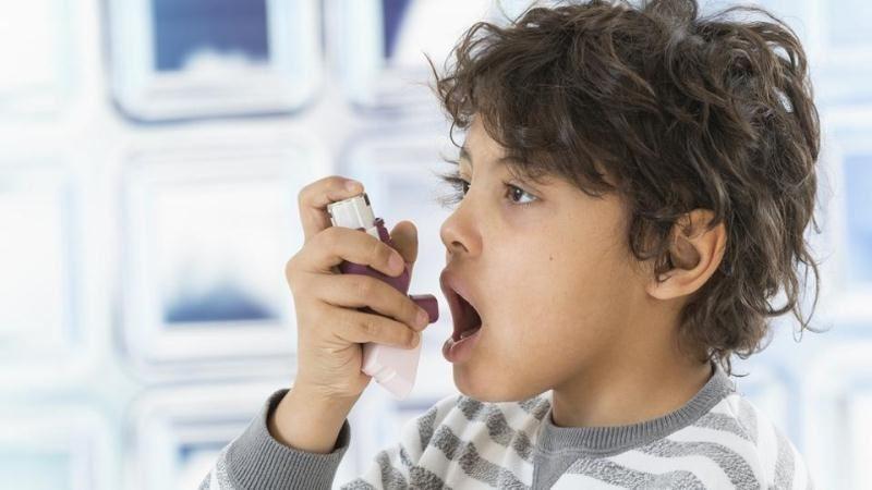 امیرمحمد 10سالهبه علتبیماری پنومونی(آسم)بستریشده است.