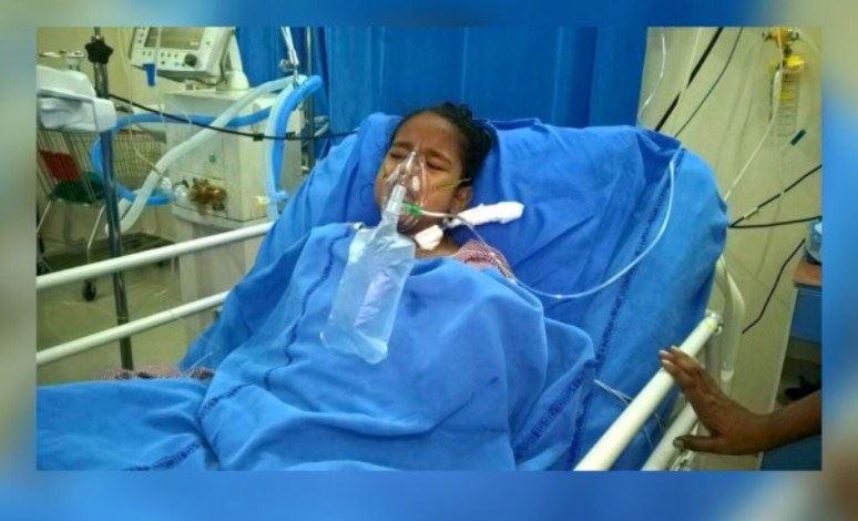 گلنسا چهارده ساله به دلیل بیماری کلیوی بستری شده است.