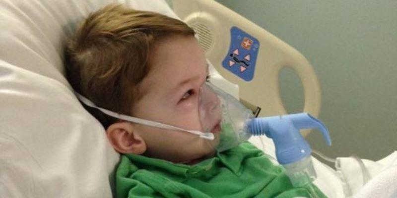 فرهاد سهساله به دلیل بیماری آمفیزم بستری شده است.