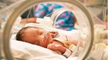 نوزاد پسر تازهمتولد به دلیل نارسبودن بستری شده است.