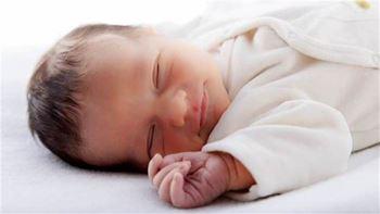 محمدرضا ششماهه به دلیل آترزی مری بستری شده است.