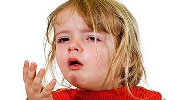 مهدیه چهارساله به دلیل عفونت خون بستری شده است.