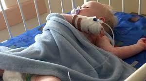 تارا یک ساله به دلیل بیماری ITP بستری شده است.