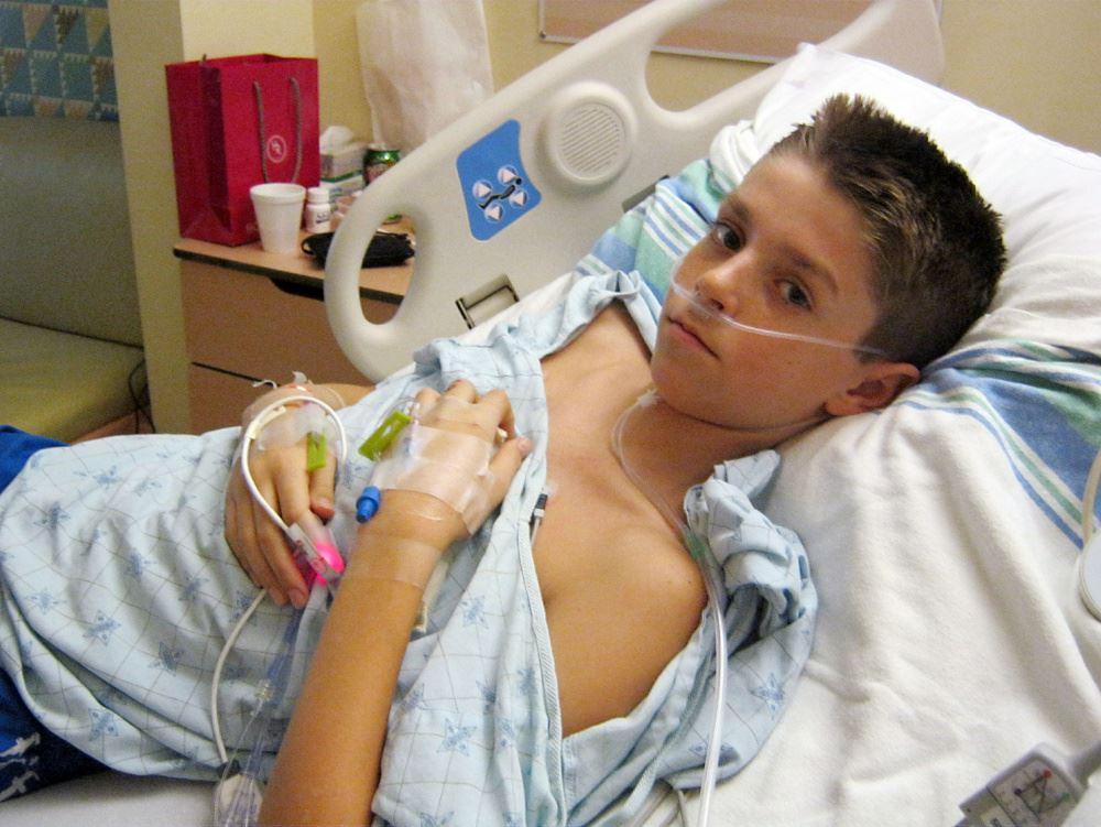 محمدیاسین چهاردهساله به دلیل آسم بستری شده است.