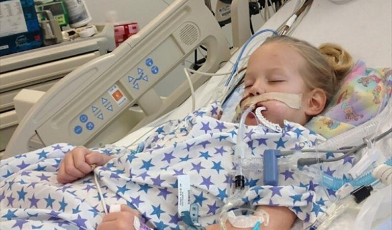 یسنا هشتساله به دلیل بیماری قلبی بستری شده است.