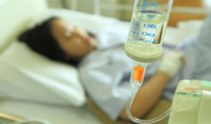 نرگسدوازدهساله به دلیلدرد شکم بستری شده است.