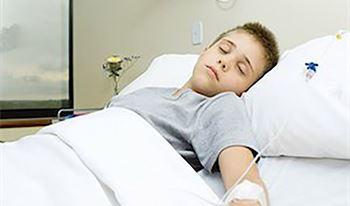 آروین یازدهساله به دلیلسندرم گیلنباره بستری شده است.