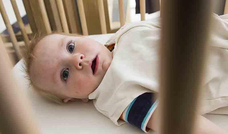 نیما دوساله به دلیل التهاب در کیسه بیضه و فتق بستری شده است.